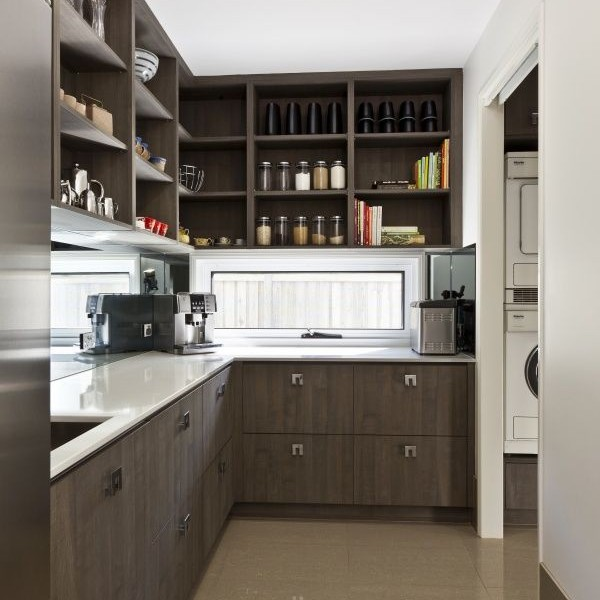 Kitchen Layout With Pantry: Granite Kitchen Makeovers
